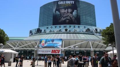 Фоторепортаж  со E3 0017: солнце, пальмы равно самые крутые игры