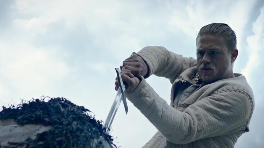 Появился трейлер давно ожидаемого  фильма Гая Ричи окороле Артуре