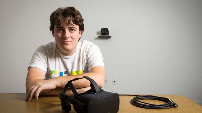 Сооснователь Oculus VR Палмер Лаки уходит из Facebook