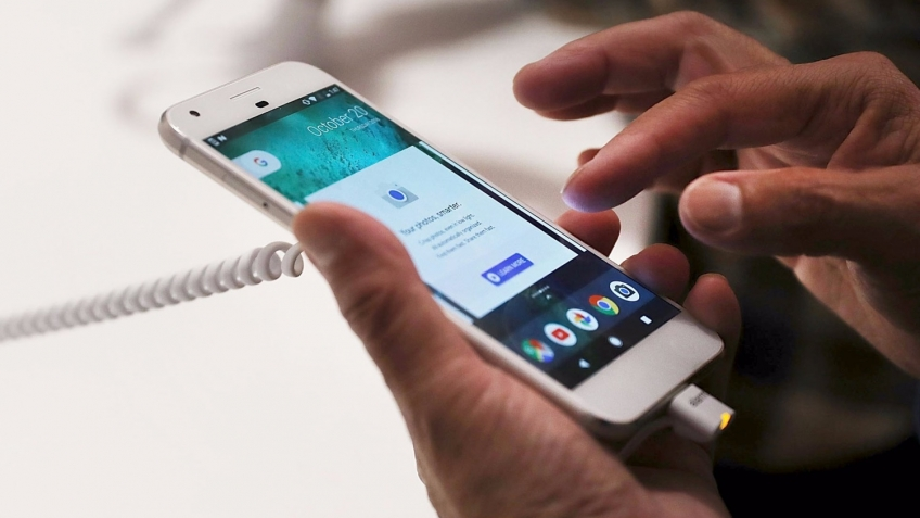Эксперты нашли вирусы в новых смартфонах