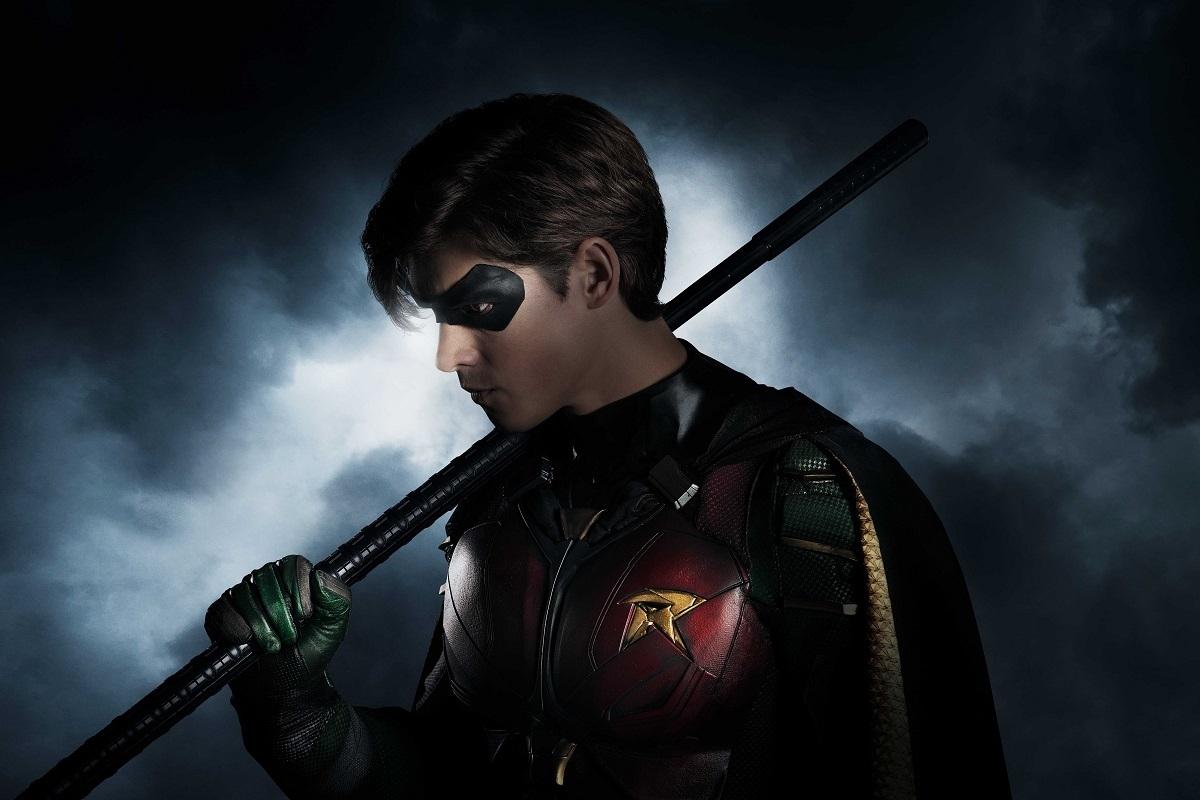 Первое изображение Робина из грядущего сериала «Титаны»