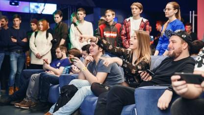 Пять вечеринок PS Plus: VR, косплей и мини-бургеры