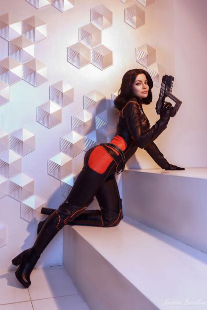 Косплей недели: Чёрная кошка, Resident Evil Village, Tomb Raider, «Аладдин», Mass Effect