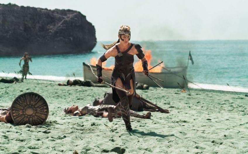 Обзор фильма «Чудо-женщина». Диана — богиня сердец