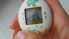 История «Тамагочи» — карманной игрушки, которая сводила с ума детей в 90-е