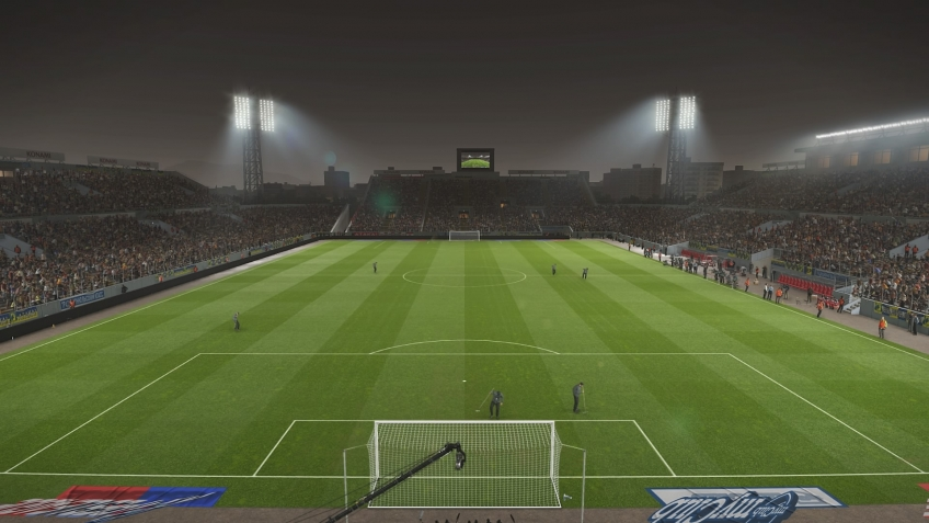 FIFA 19 vs  Pro Evolution Soccer 2019  На чьём стадионе