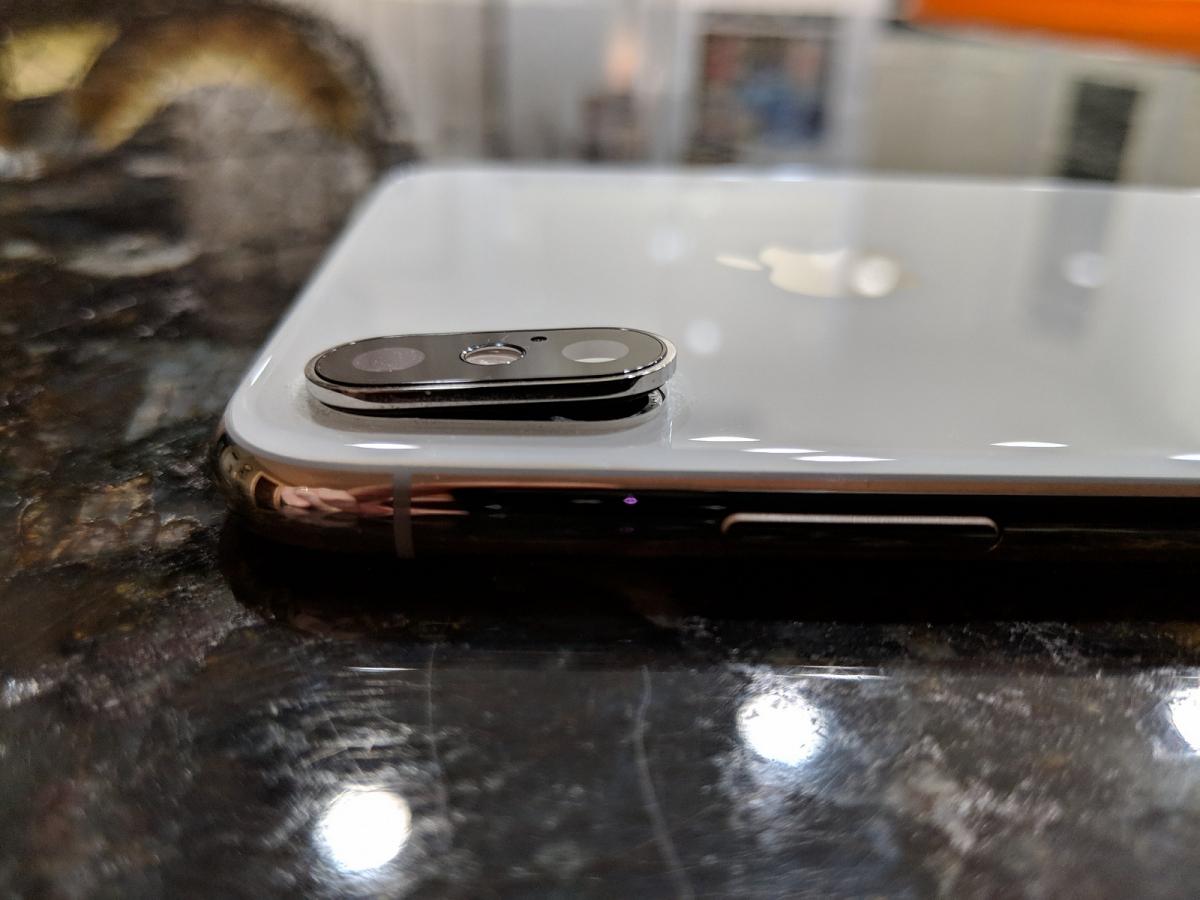 Владельцы iPhone XS и XS Max жалуются на трещины в стекле основной камеры (Обновлено)