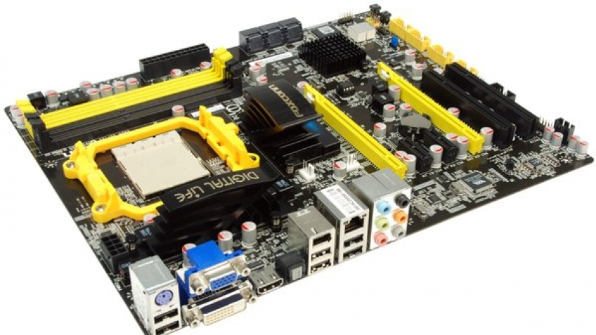 Foxconn представила материнскую плату для AMD Phenom II