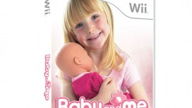Пульт Wiimote в спине младенца