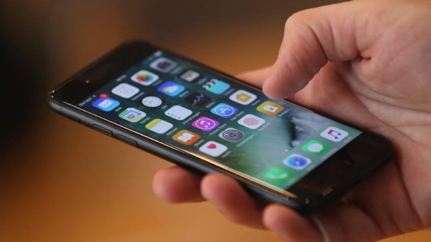 Apple извинилась за искусственное замедление старых iPhone