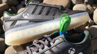 СМИ: Microsoft и Adidas планируют создать совместные кроссовки