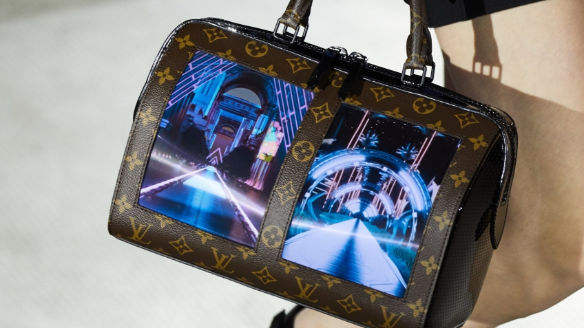 f6a2009c2ef8 Louis Vuitton представил сумки с гибкими экранами — Игромания