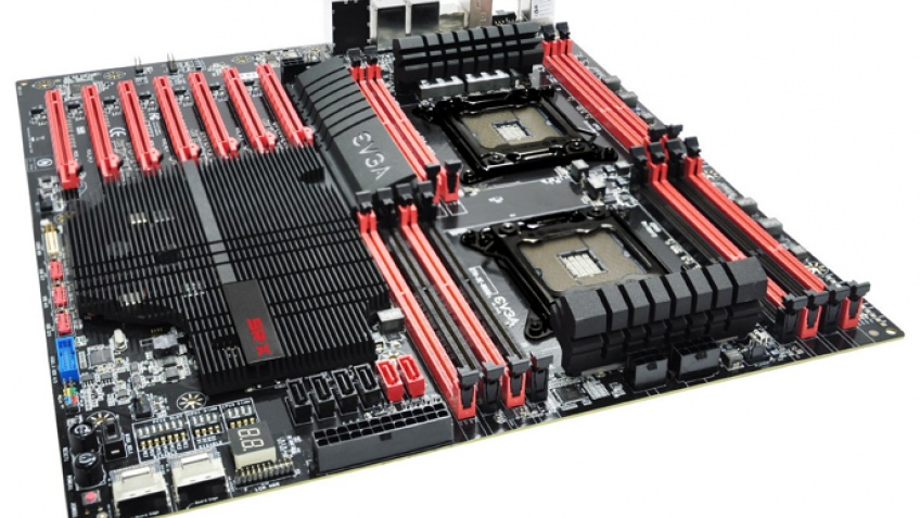 EVGA показывает материнскую плату SR-X для двух процессоров