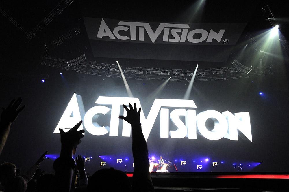 Сколько получает президент и операционный директор Activision Blizzard?