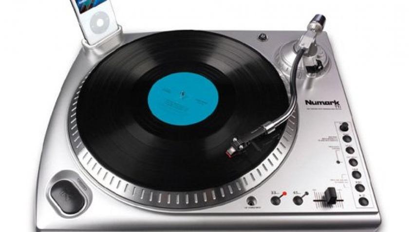 DJ-вертушка с разъемом для iPod