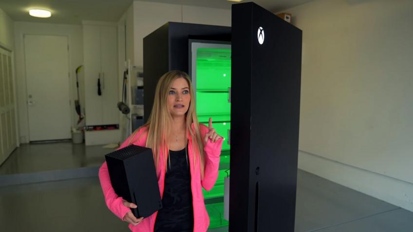 Шутка зашла слишком далеко: распаковка холодильника в стиле Xbox Series X