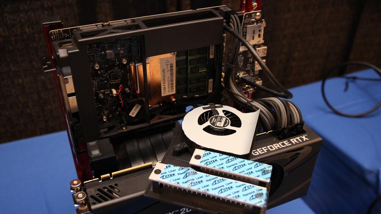 Intel объединит процессор и дискретную графику. Снова