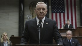 Netflix приостановил съёмки шестого сезона «Карточного домика»