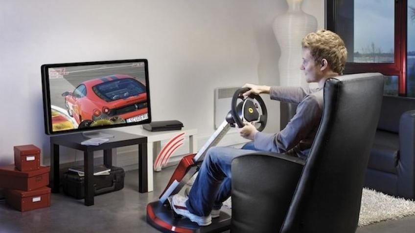 Продвинутый игровой руль Thrustmaster Ferrari