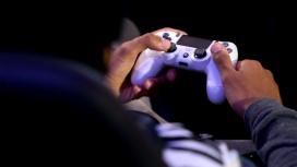 Коронавирус привёл к рекордным продажам игр и консолей