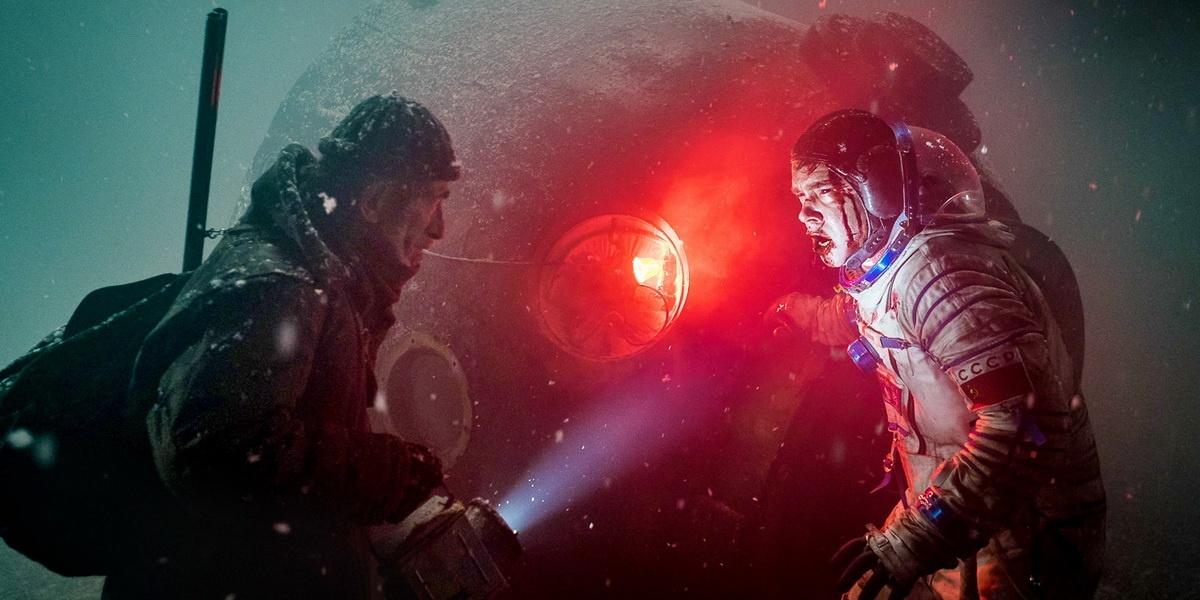 Оксана Акиньшина и Фёдор Бондарчук в официальном трейлере триллера «Спутник»
