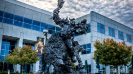 Сотрудники Activision Blizzard готовят митинг перед штаб-квартирой компании