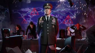 Генерал Шварценеггер учит атаковать и защищаться