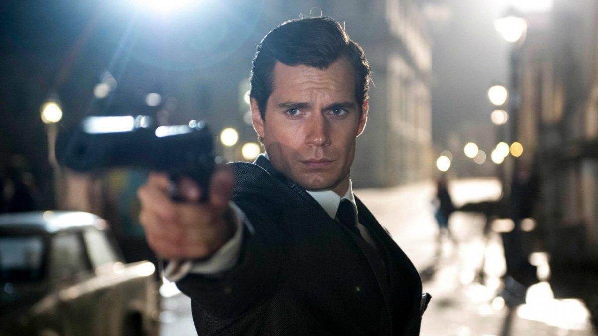 Генри Кавилл не против сыграть злодея в «Бонде» вместо самого агента 007