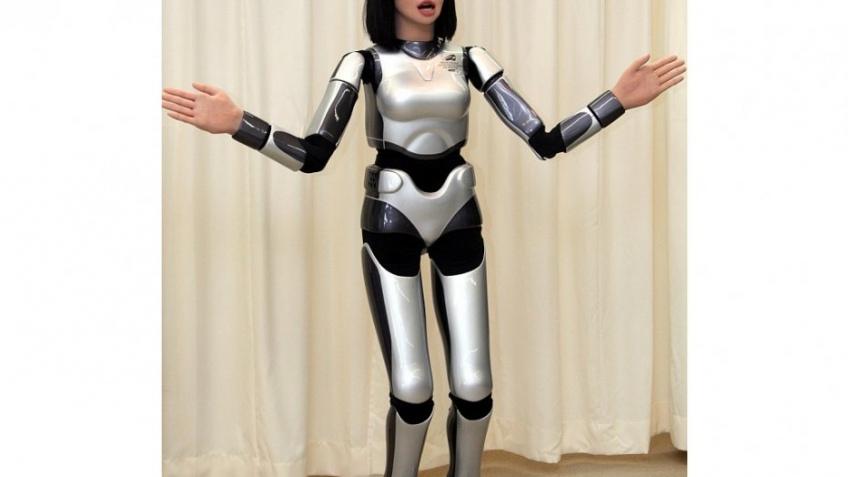 Ходячий японский робот