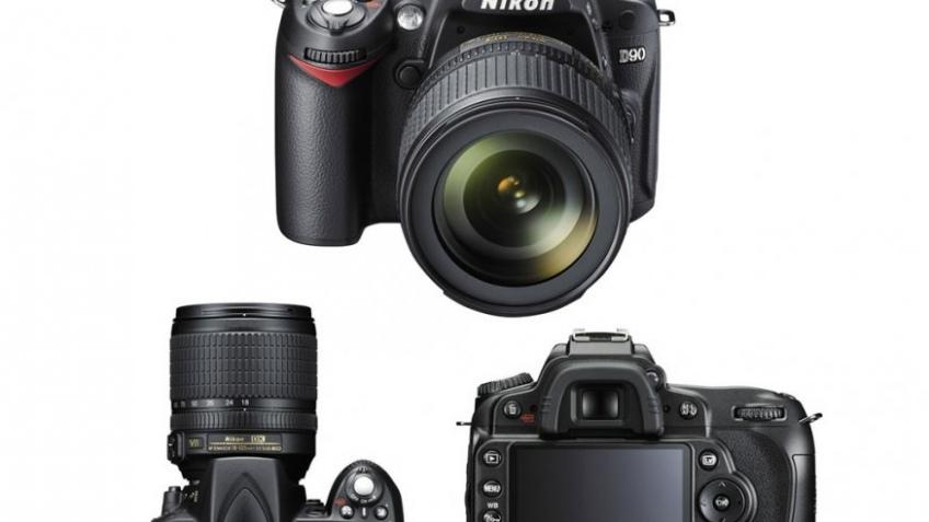 Nikon D90 официально