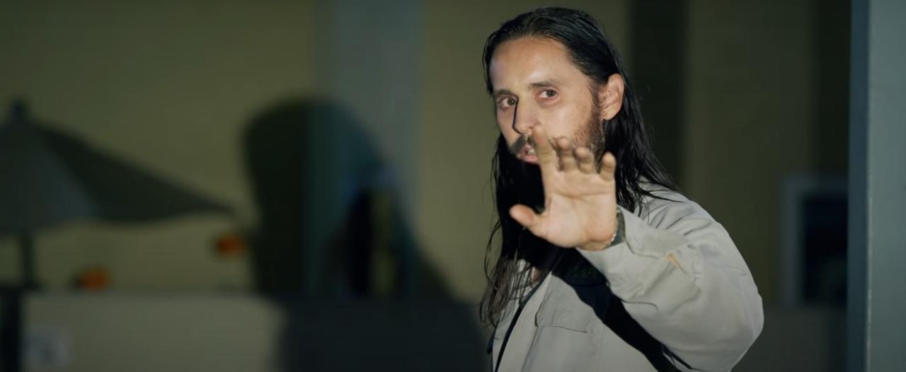 Дензел Вашингтон и Рами Малек ловят Джареда Лето в трейлере «Дьявола в деталях»