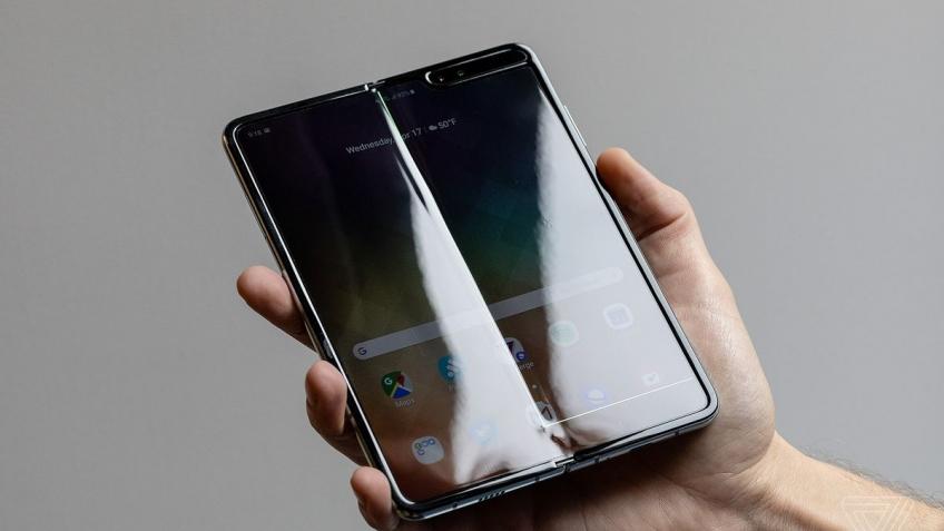 Samsung официально признала наличие проблем со складными смартфонами Galaxy Fold
