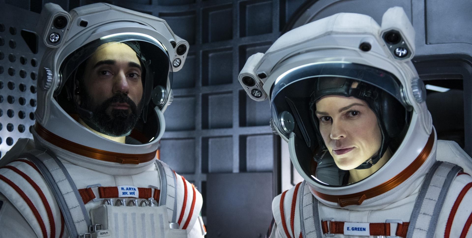 Netflix закрыл фантастический сериал «Вдали» после первого сезона