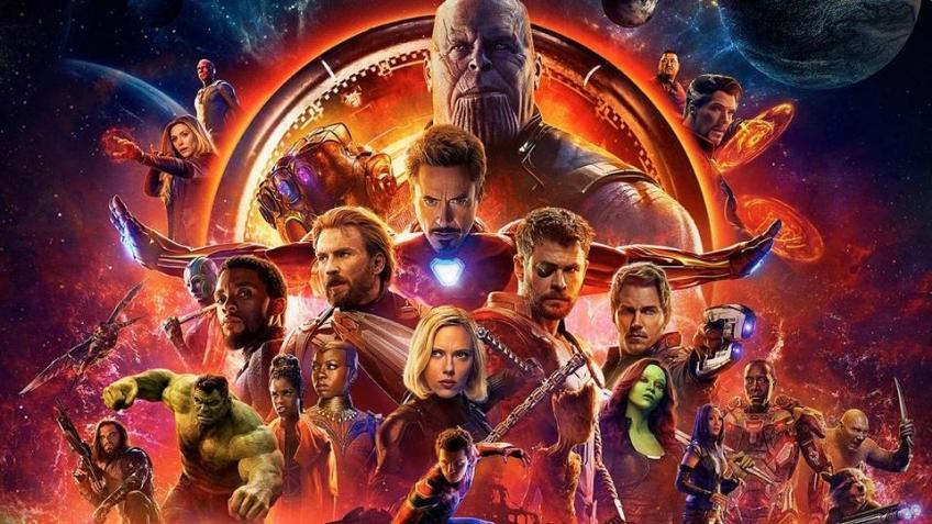 Постер «Мстителей» перерисовали 24 художника