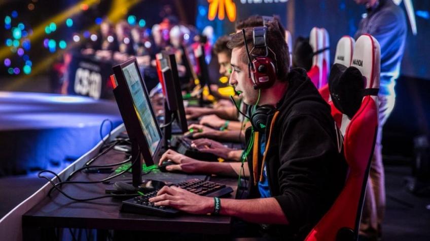 Сеть «Одноклассники» проведет киберспортивные турниры