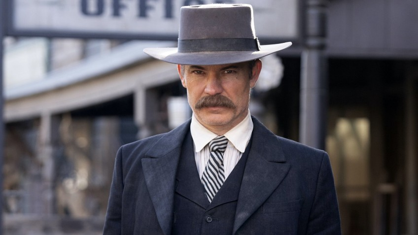 СМИ: Тимоти Олифант играет в «Мандалорце» персонажа из книг «Последствия»