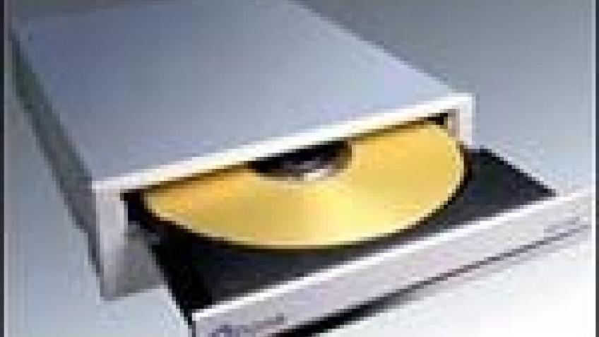 12х DVD-носители от  Plextor  - уже в продаже