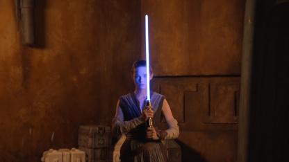 Disney показала «настоящий» световой меч из «Звёздных войн»