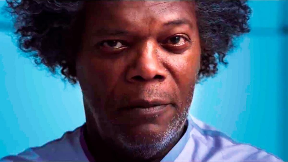Сэмюэл Л. Джексон сбегает из больницы в новом трейлере триллера «Стекло»