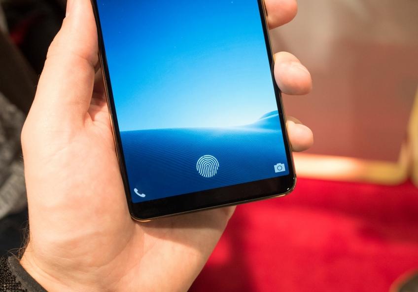 Forbes: у Samsung Galaxy S10 всё будет встроено в дисплей