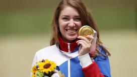 Двукратную олимпийскую чемпионку дома встретили песней из сериала «Ведьмак»