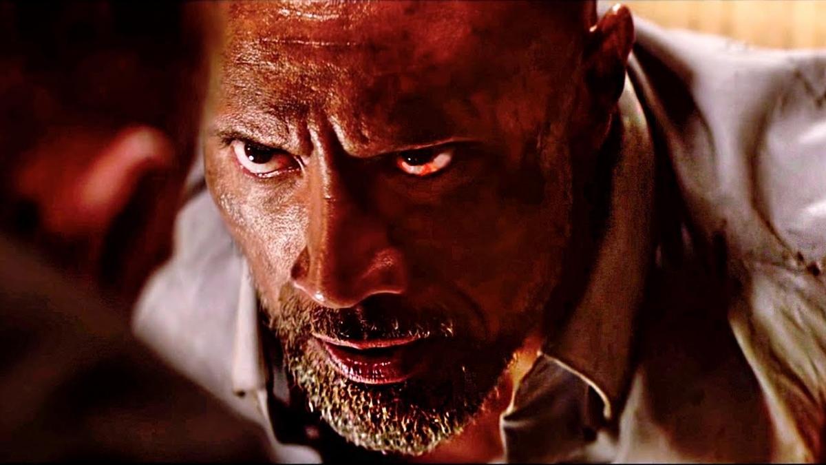 В новом трейлере «Небоскрёба» Дуэйн Джонсон рискует жизнью