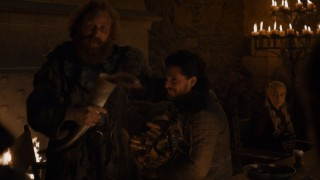 «Старбакс» в Вестеросе — забавный ляп в свежей серии «Игры престолов»