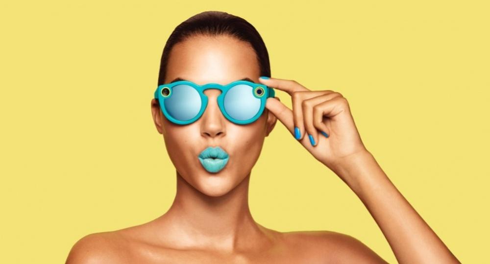 Snapchat показал очки Spectacles со встроенной камерой