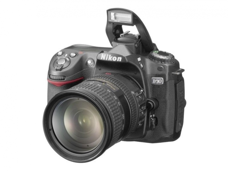 Nikon готовит D90?