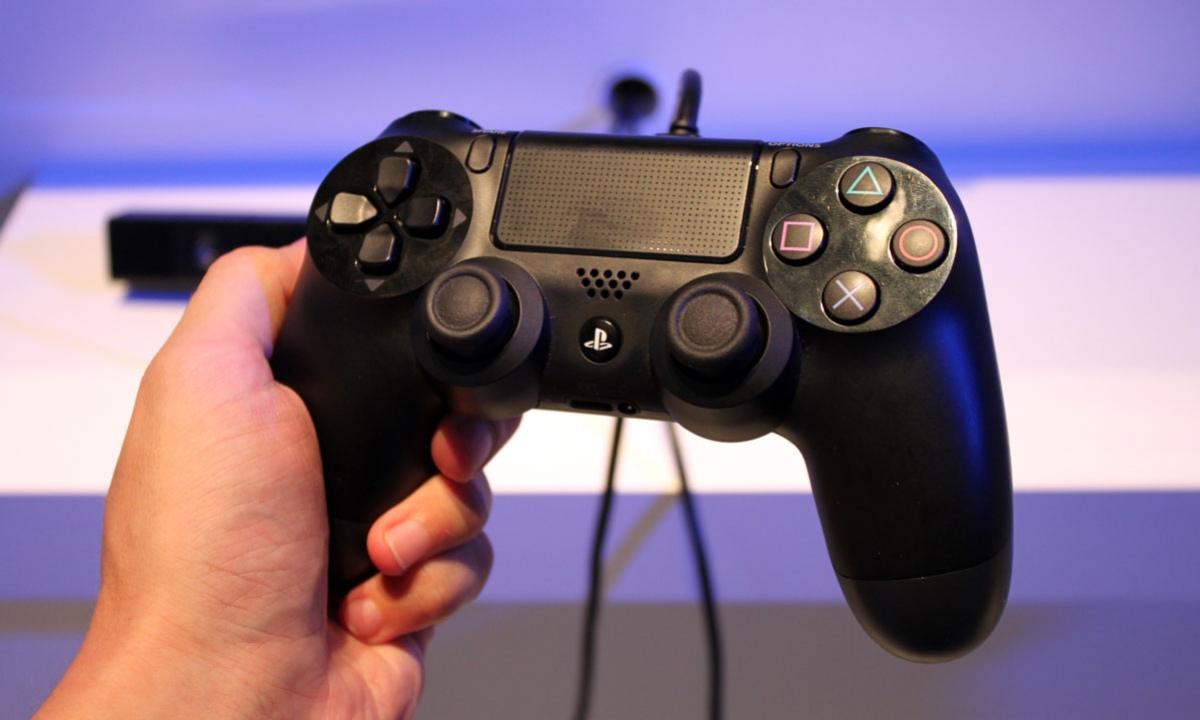 Сотрудник Sony сделал геймпад для парализованного игрока