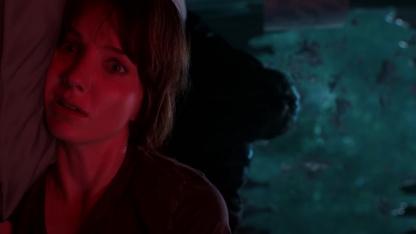 «Злое» преследует героиню в трейлере нового хоррора автора «Заклятия»