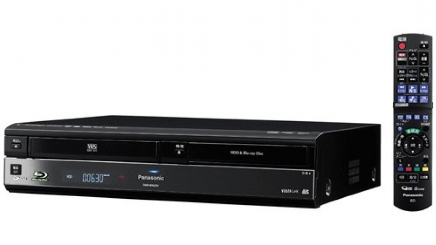 Panasonic объединила Blu-ray и VHS