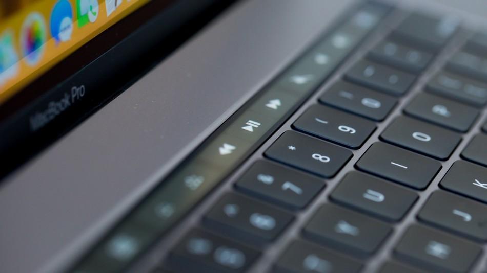 Слухи: MacBook Pro с экраном на16 дюймов может выйти в 2021 году