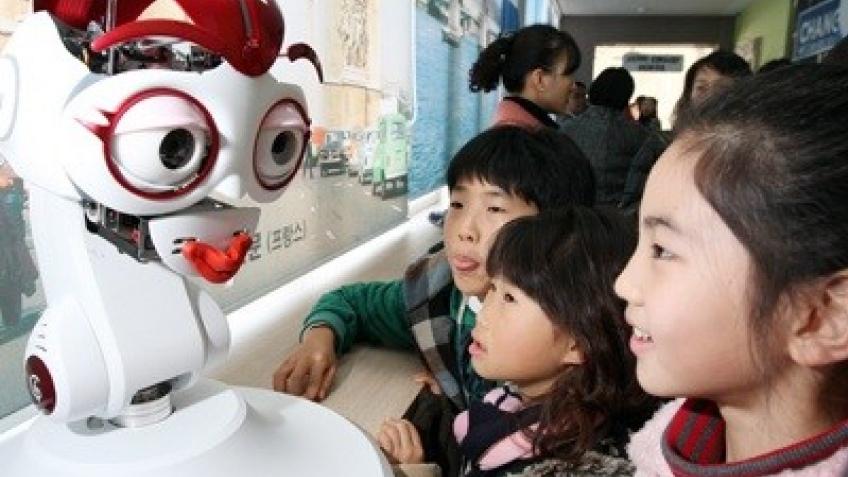 Корейских детей будет учить робот